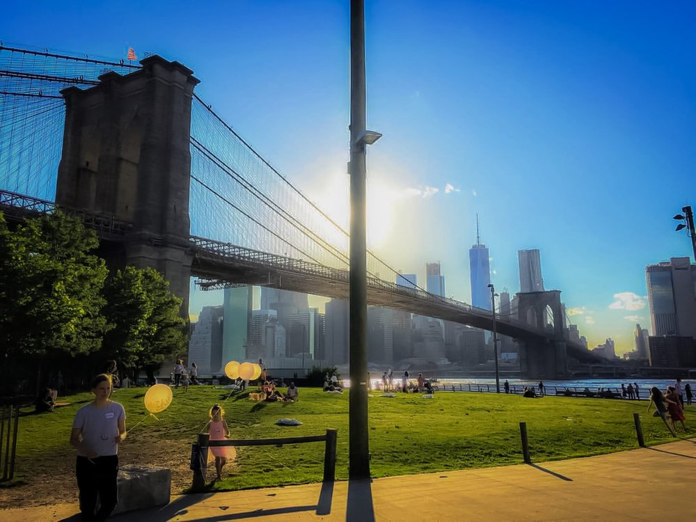 sunny day in dumbo. photo: lucas compan