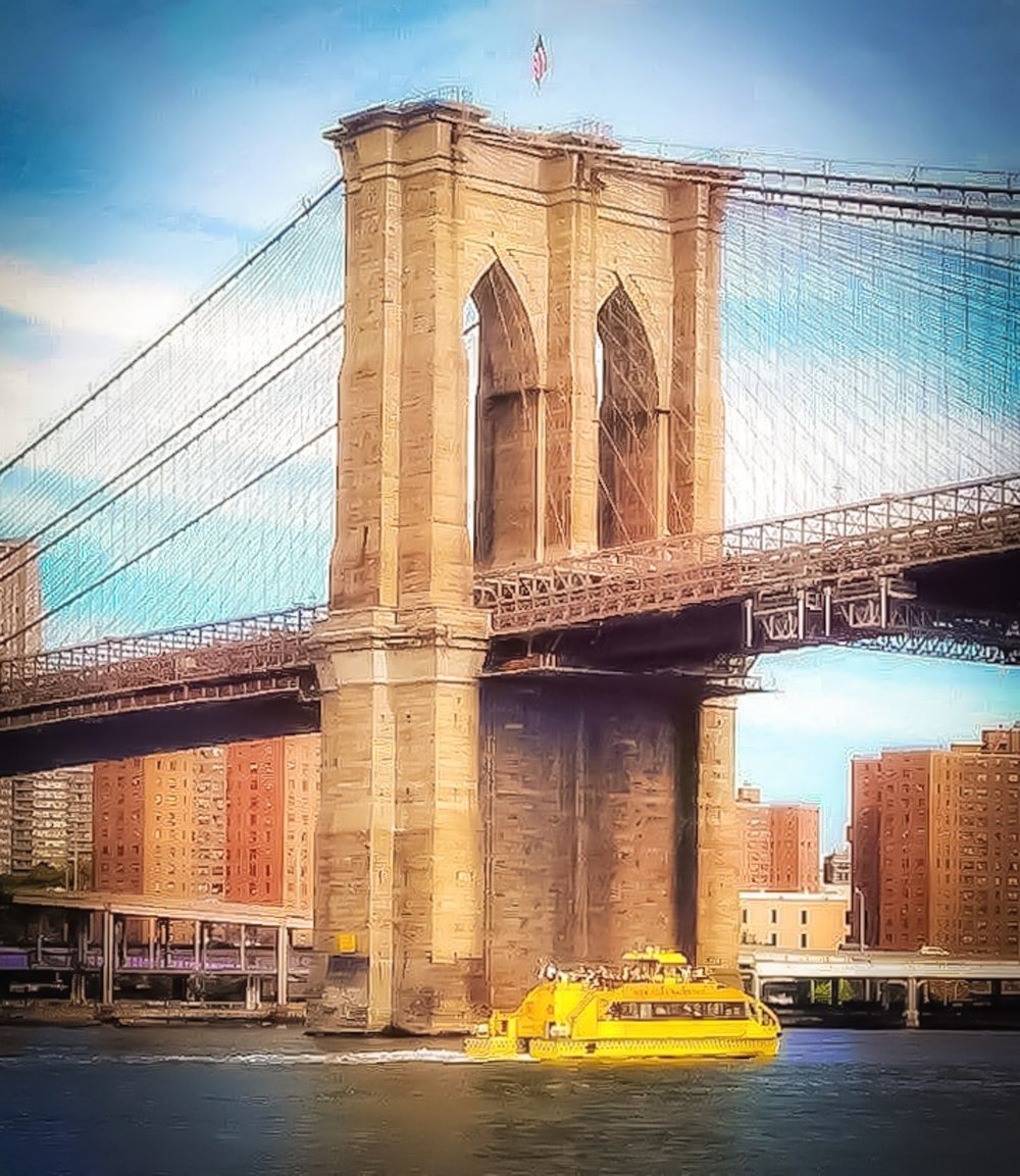 Brooklyn Bridge seen from a water cruise.    Photo: Agostina Cois