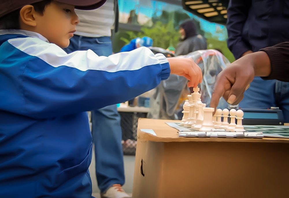 Some chess players often teach younger children the finer points of the game. Photo: Google