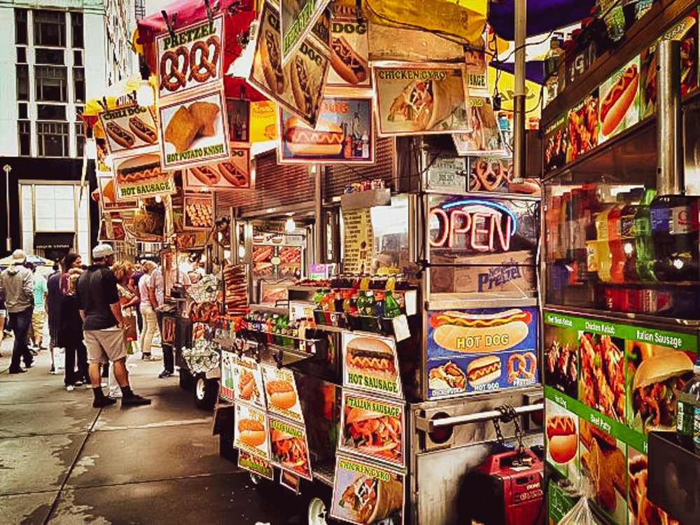Hot dog street vendors in midtown Manhnattan. Photo: Lucas Compan