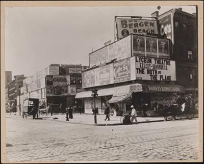 BROADWAY E 42ND STREET, 1888. IMMAGINE: GENTILE CONCESSIONE DEL MUSEO DELLA CITTA' DI NEW YORK.