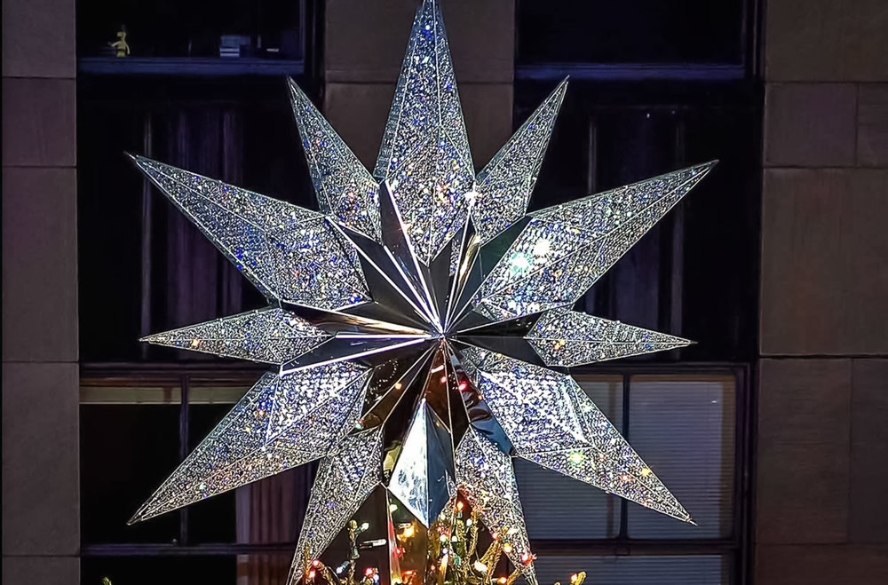 In 2004, the 550-pound Swarovski star first adorned the top of the tree. It featured twenty-five thousand crystals and one million facets and was nine-and-a-half feed in diameter. The following year, the addition of L.E.D. lights made the star look as if it were radiating light from its core to its tips. Image: courtesy swaroviski