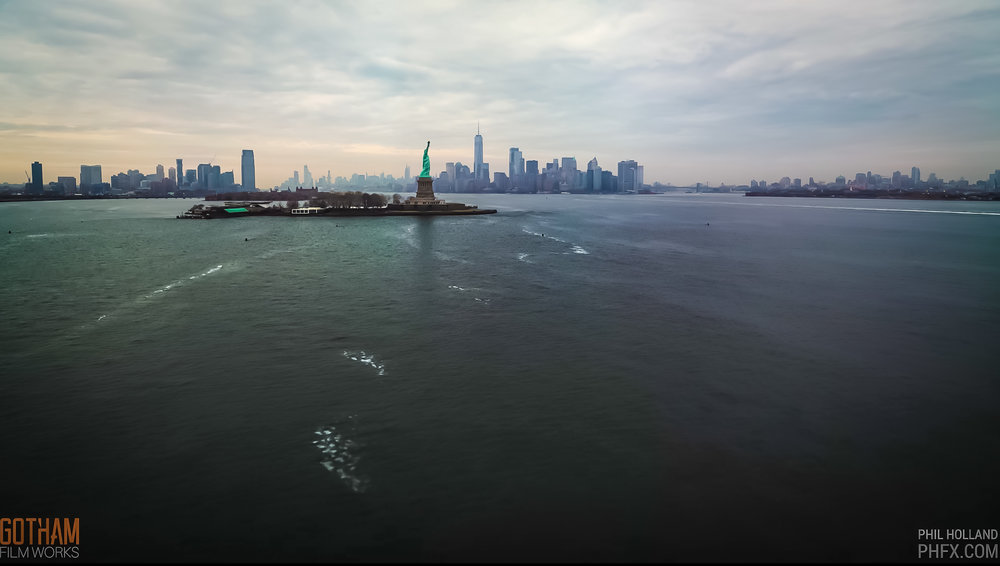 new york bay and the statue of liberty
