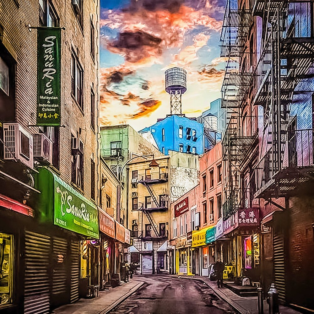 before the sunrise in chinatown. Photo  @lucascompan