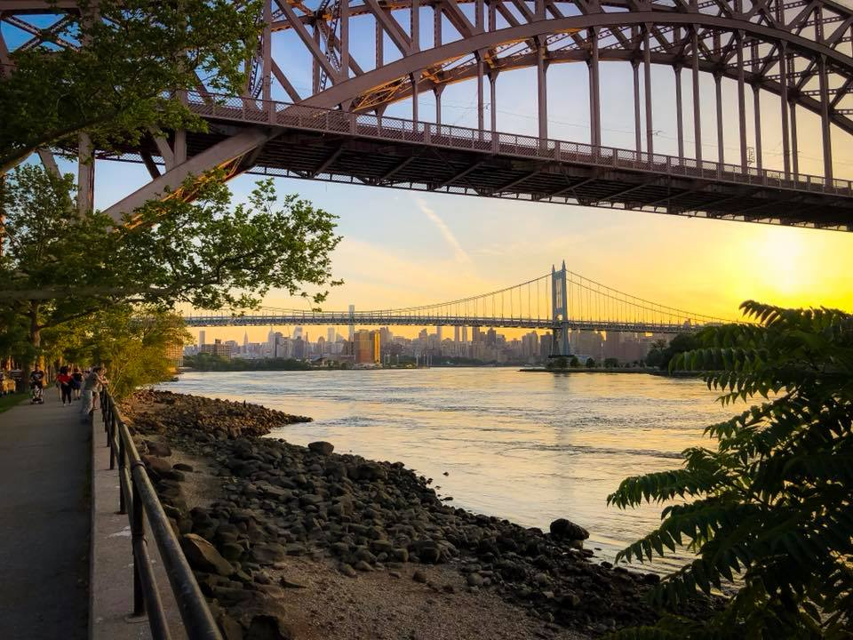 Astoria and Astoria Park are amongst the top 4 most famous film shooting spots in the United States of America. photo  @lucascompan