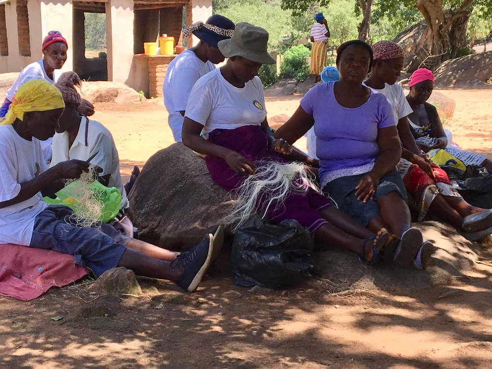 The ladies of the Chomuruvati basket-making group