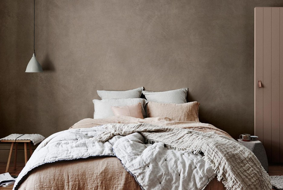 "HMCo natural linen bedding dulux colour forecast 2017 - Um creme pra insônia da Lush é o novo ""holy grail for tired parents"""