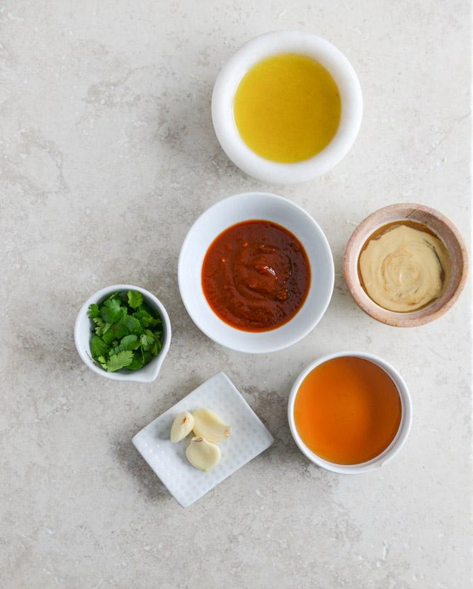 honey chipotle chicken bowls I howsweeteats.com 1.jpg 1 - Chicken Chipotle | Frango com chipotle e salada de quinoa