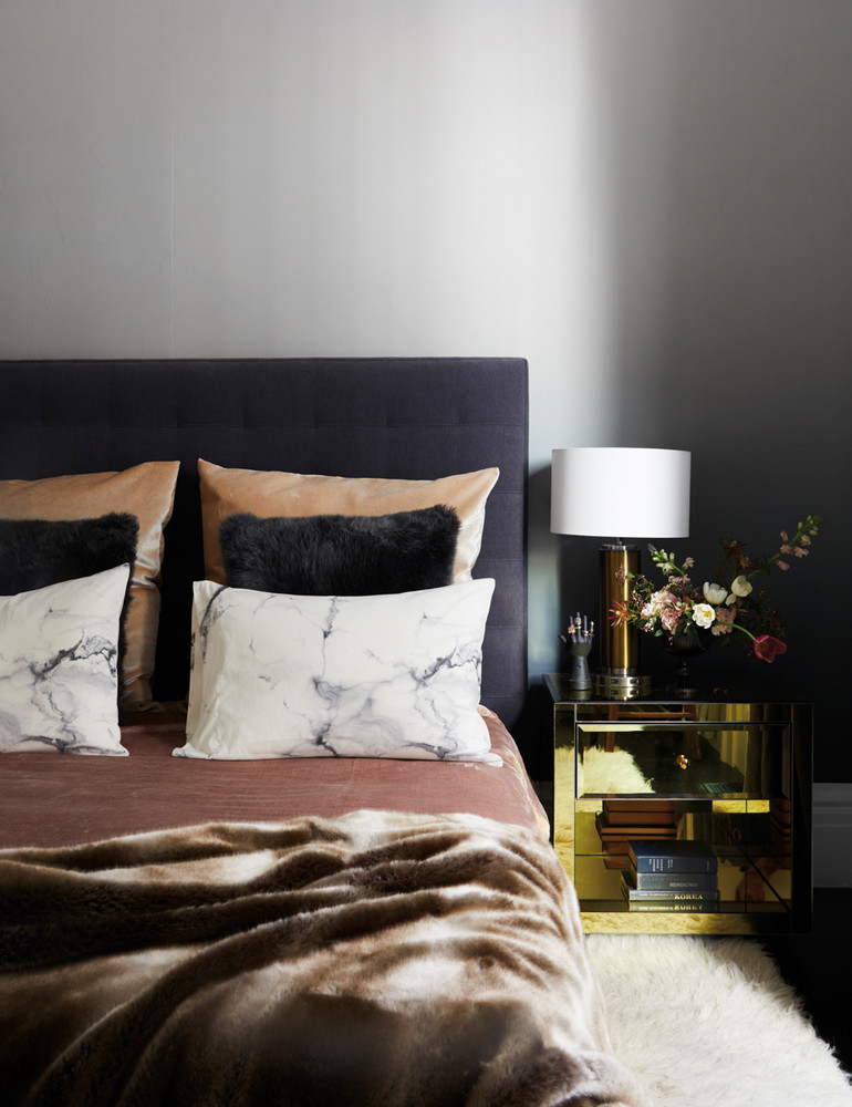 opposites-attract-in-this-artfully-balanced-san-francisco-home-black-and-brown-and-gold-bedroom-59db8db5d9b1651460d81c3e-w1000_h1000.jpg