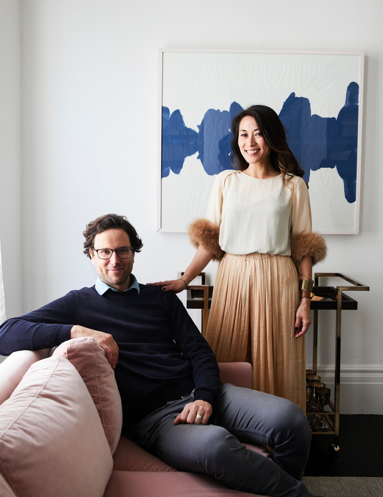 opposites-attract-in-this-artfully-balanced-san-francisco-home-white-portrait-59db8dc5d9b1651460d81c3f-w1000_h1000.jpg