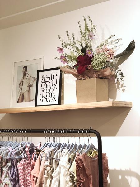 tea-shirt-lolla-flower-bar.jpg