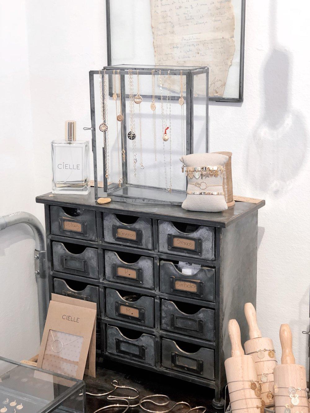 maison-cielle-design-bijoux-lolla10.JPG