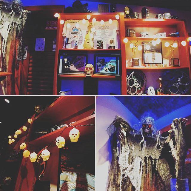 We're definitely in the Halloween spirit! 🎃👻🍂