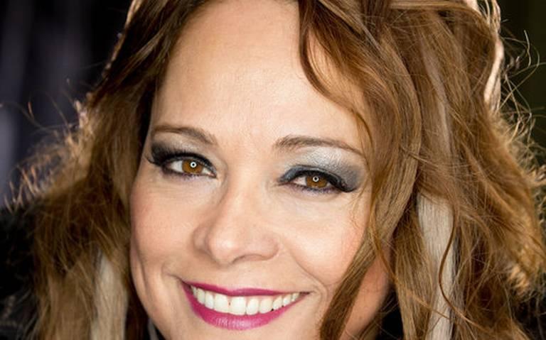 Lorena Isabell lanzó álbum Hoy - Cantante latina recupera la época dorada del bolero latinoamericano y presenta su primer material discográficoleer más aquíleer más aquí