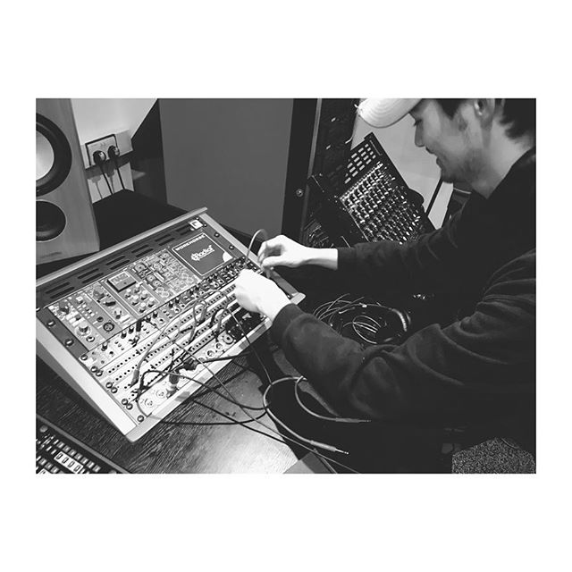 Patch bay babies 🍭 #makingmusic #producers #abbeyroad #learnsomethingneweveryday #musicproducer #mix #s6 #avid #newmusicalert