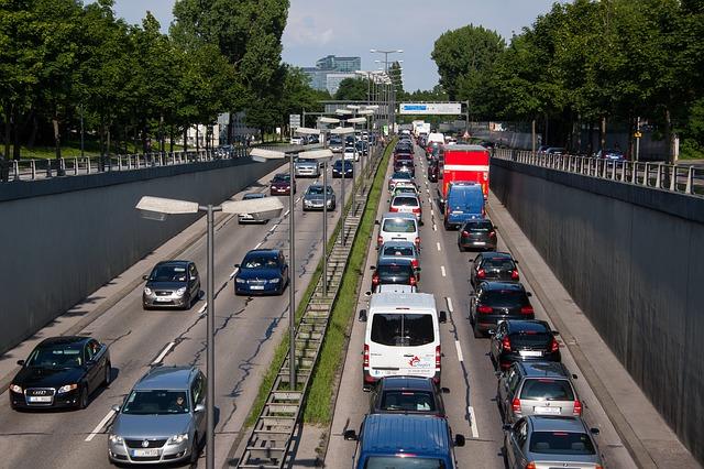 traffic-143391_640.jpg