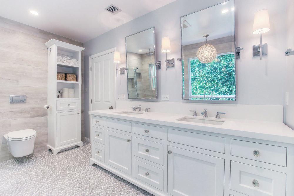 westLA_modern_bathroom_opt.jpg