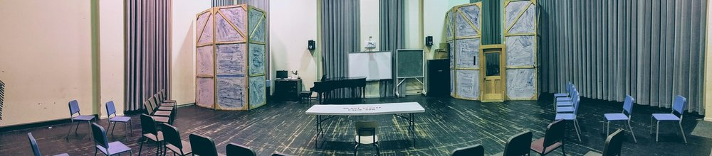Photo of the set from  Der Schauspieldirektor .