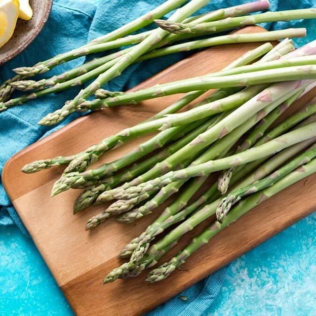 Did you know that asparagus is a good source of vitamin E? Because vitamin E is fat soluble, make sure you pair asparagus with a healthy fat source, like olive oil, to help your body with absorption! #carefullycurated #thoughtfullyprepared #vegetableandbutcher #localdomination #acreativedc #edibledc #BYThings #madeindc #veganfood #instafood #wherethegreenthingsflow #feed #liketkit #awards #unionkitchendc #vegan #goodeats #liketoknowit #madeinunionkitchen #health #dceats #visuals #photo #tag #veganfoodshare #foodies #link