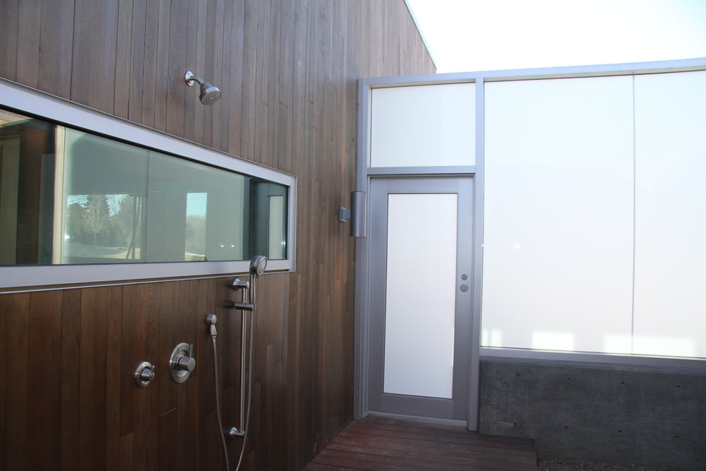 City Glass_Outdoor Shower_9800 Harney.JPG