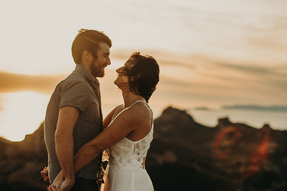 santa-monica-mountains-engagement-photos-2.jpg