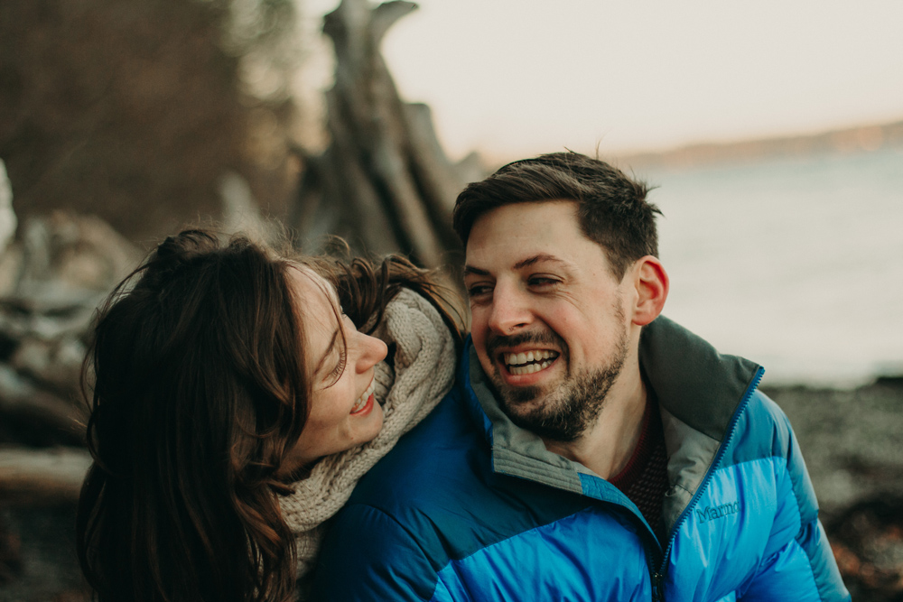 pacific-northwest-couple-engagement-shoot.jpg