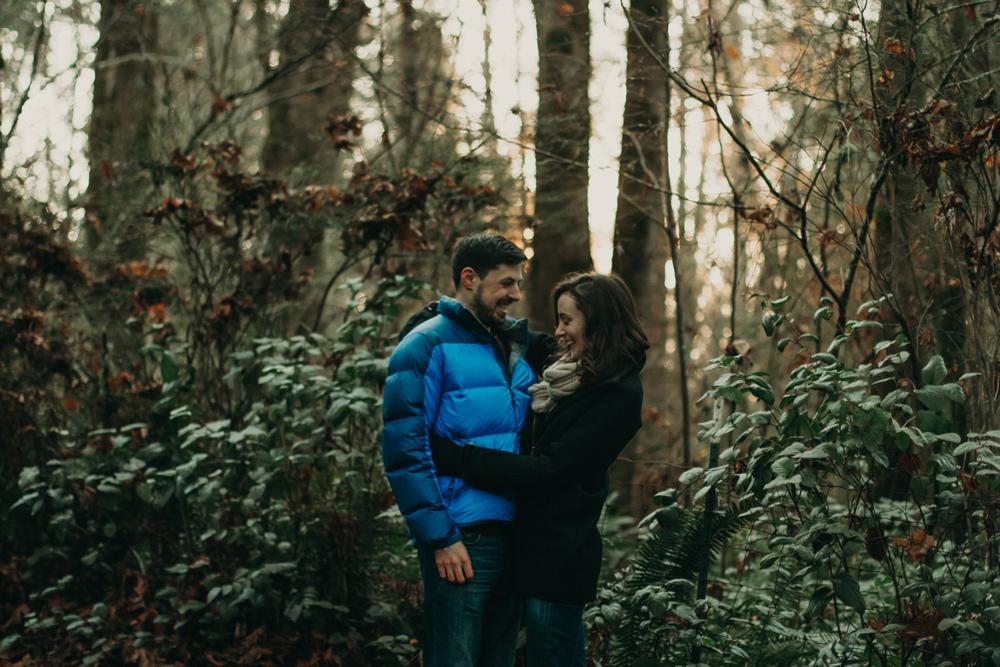 winter-couple-photo-shoot-jennycollen.jpg