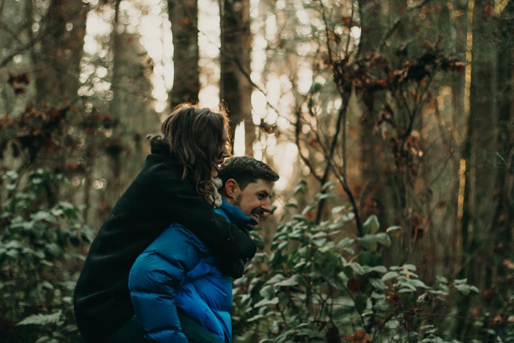 winter-couple-photo-shoot-washington.jpg