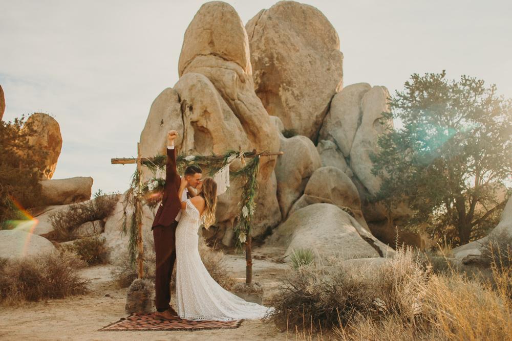 desert-wedding-photography-jennycollen.jpg