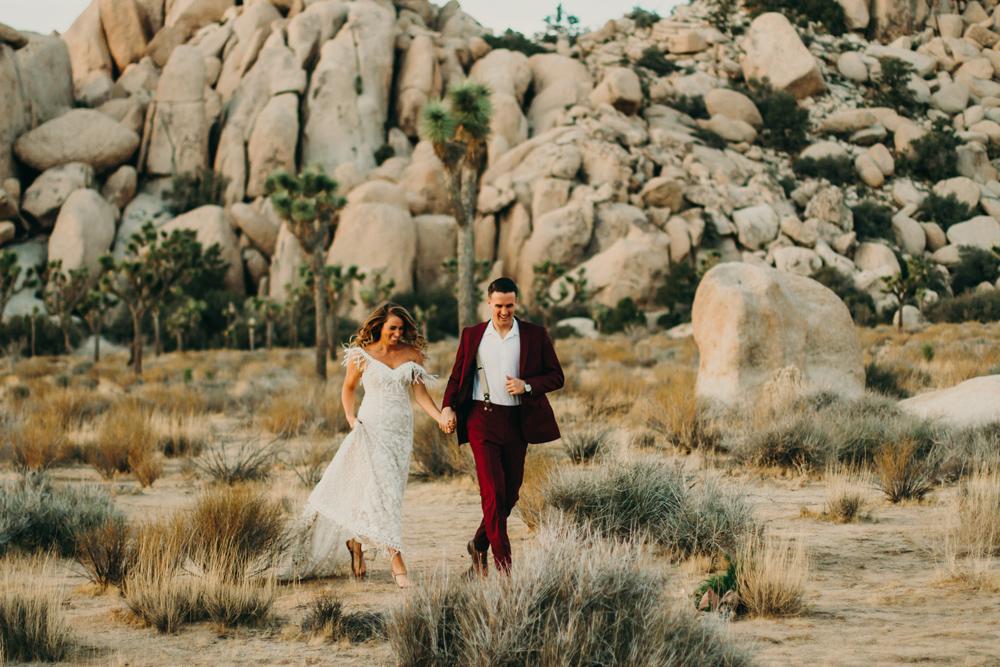 desert-wedding-elopement-bohemian-photography-jennycollen.jpg