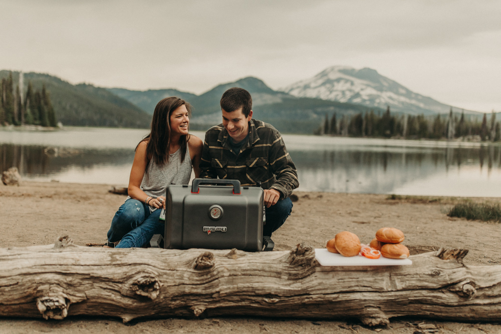 oregon-barbeque-engagement-photos-20180619-079A7032.jpg