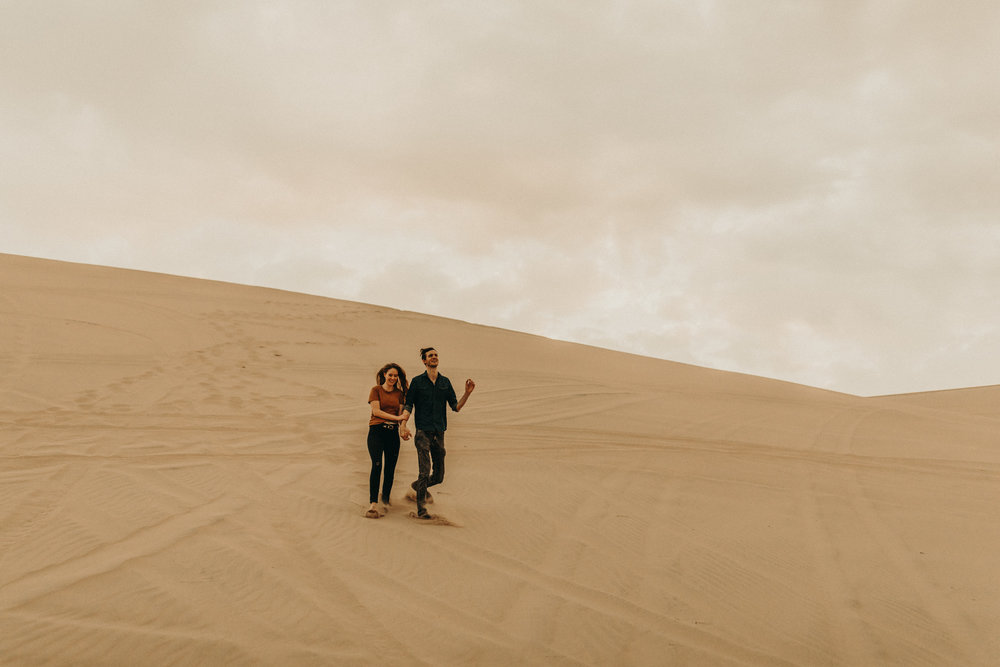 utah-sand-dunes-engagement-photos