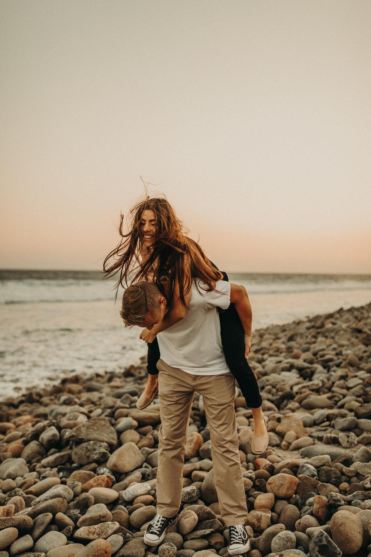 malibu-beach-engagement-photos