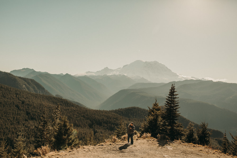 KESSLEE + KURT - Mt Rainier engagement session