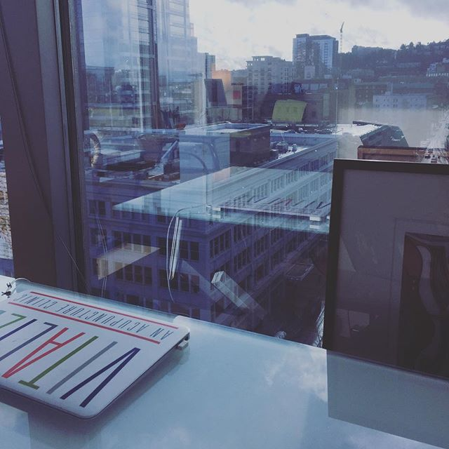 🏠🚗🏢Practitioners practicing places! 🏢🚙🏘 Did you know that I practice in downtown Portland 1-2 days a week? Well it's true (and still pretty new)! You can find me @vitalizeacupuncture Mondays and Tuesdays, and get your acupuncture with a 10th floor city view for a little change of pace. And/or find me here for those of you that have relocated or have family looking for acupuncture care in the Portland area 😉~Mika