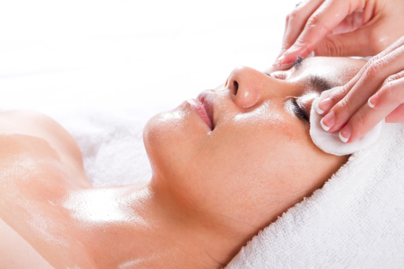 Nourish your mind, body & soul - Holistic Skin Care ServicesHerbal & Organic ProductsAromatherapy & Facial Workshops
