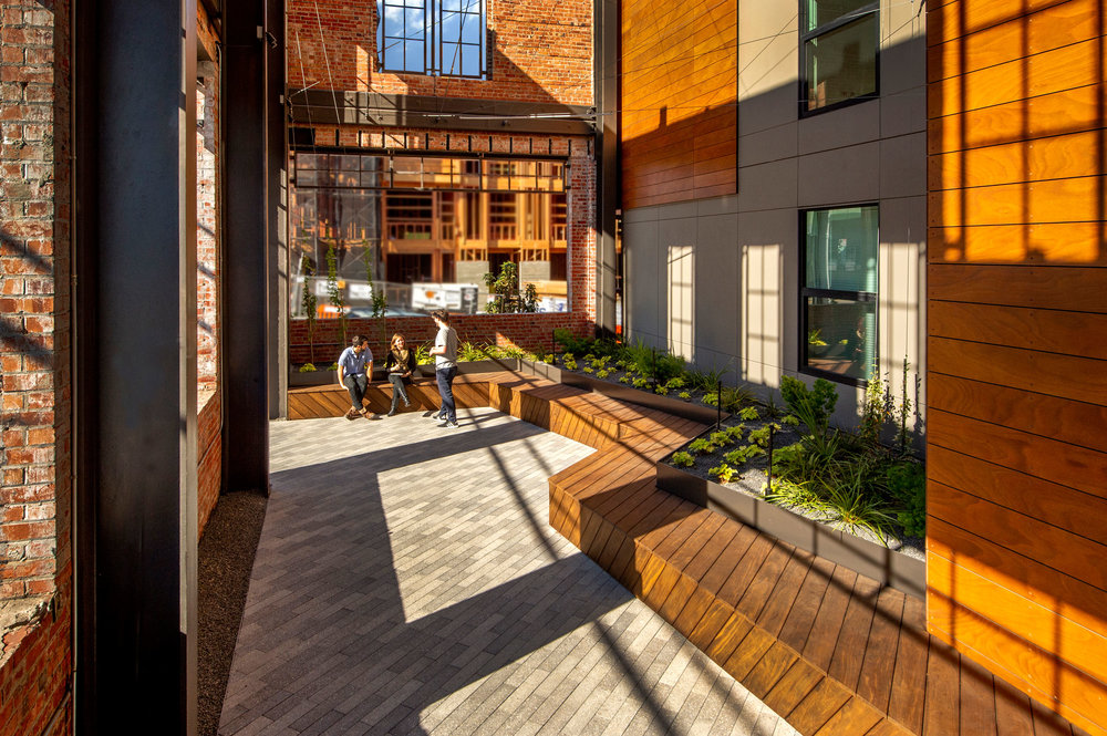 815-Courtyard-1.jpg