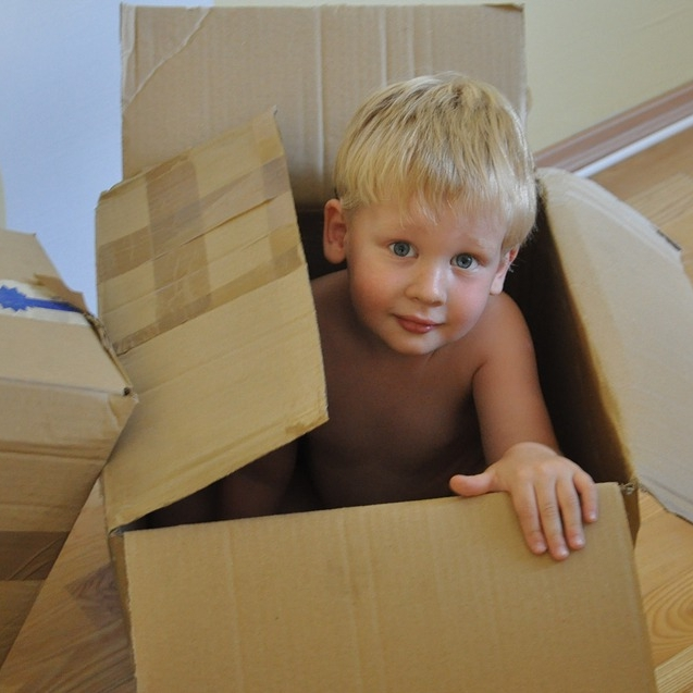Box-Moving-To-Game-Child-Kid-Boy-Package-Gift-559378.jpg