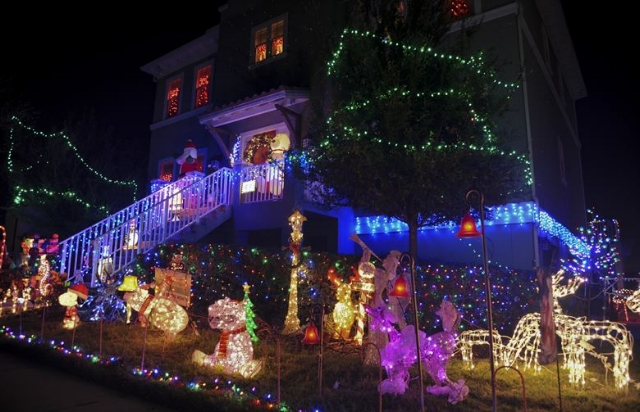 The Groover Family light display at McGill Air Force Base, Dec 2015. U.S. Air Force photo by Senior Airman Danielle Quilla