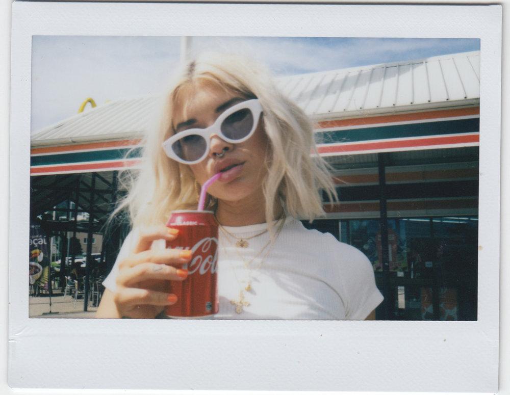 Elle-Diver-Sunglasses-WhiteBlue.jpg