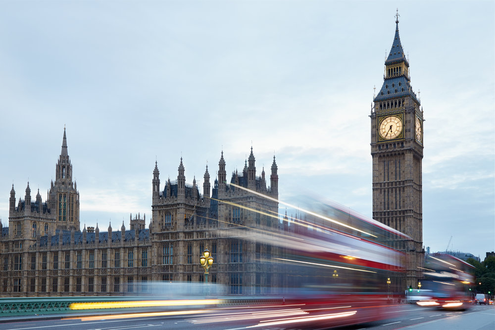 big-ben-and-palace-of-westminster-red-buses-P8DHRNZ.jpg