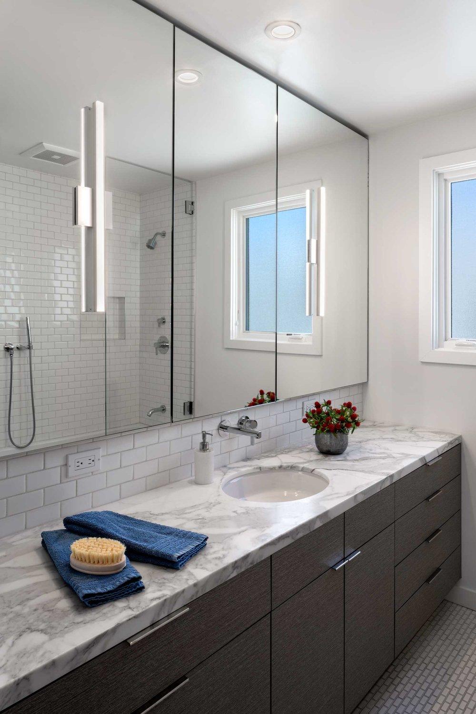 5-Guest-Bath.jpg