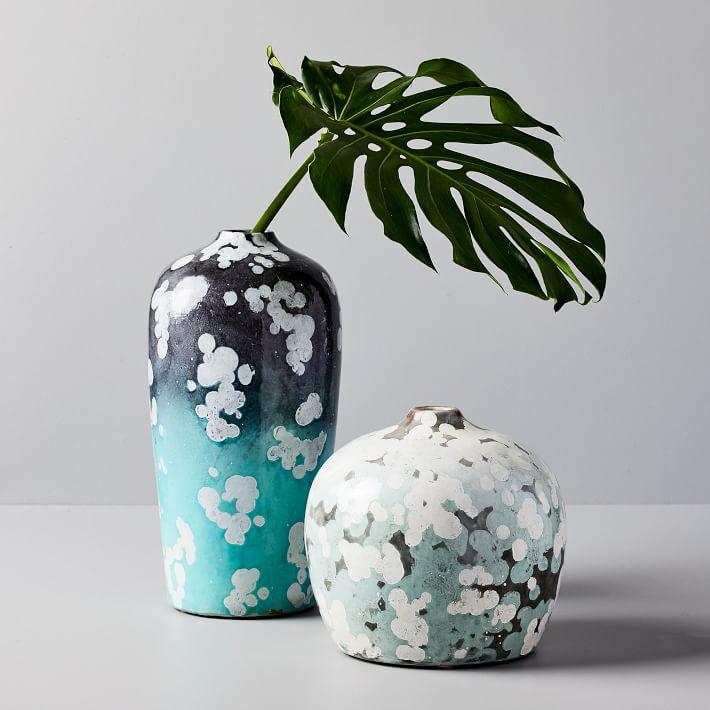 scattered-dot-vases-o.jpg