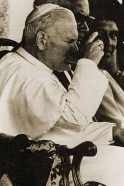 John Paul II drinking kava in Fiji in 1986