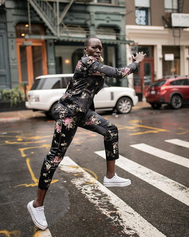 Me running away from my phone when my assistant texts me about all of the editing, emails and work that I'm behind on. 🤸🏽‍♀️ #NYFW