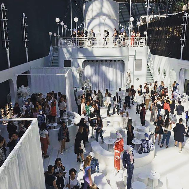 On the 5th of May, students following the course Anthropology of Luxury Brands were invited for a master class held by Bruno Pavlovsky, the Président des Activités Mode at Chanel, to discover the latest Cruise collection. The event was hosted in the Grand Palais, in the massive La Pausa cruise that was built for the occasion. 😍🛥️⚓ #chanel #coco #essec #grandeecole #businessschool #luxury #anthropology #cruisecollection #brunopavlovsky