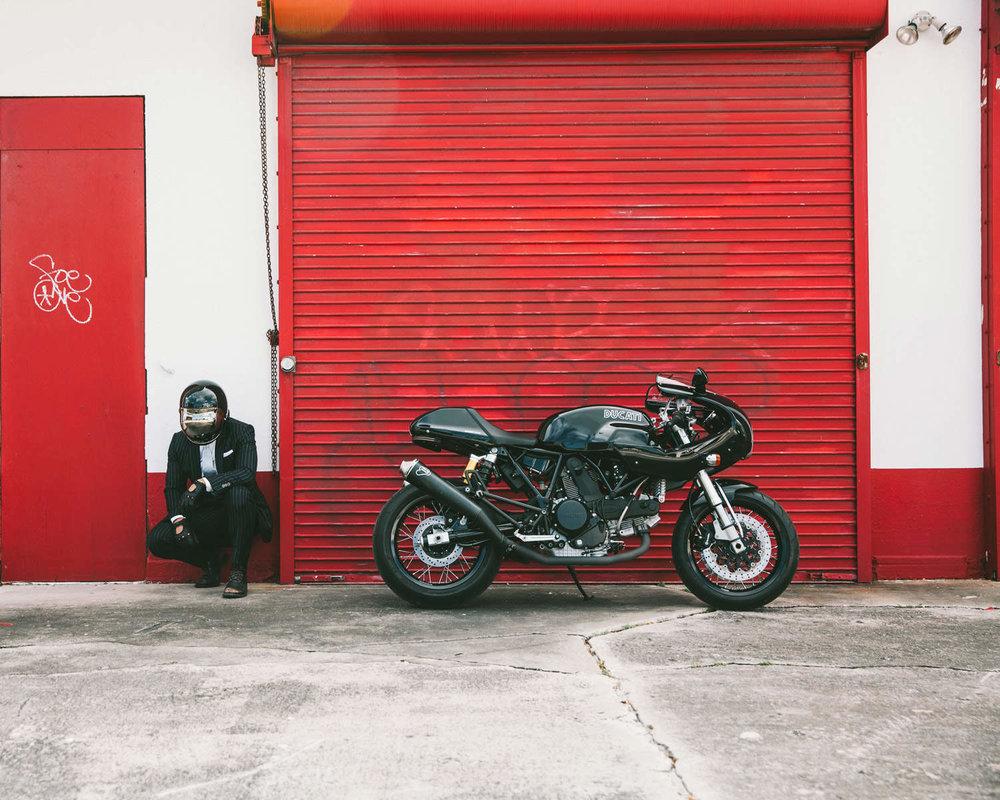 The-Suited-Racer-Dark-Duke-center.jpg
