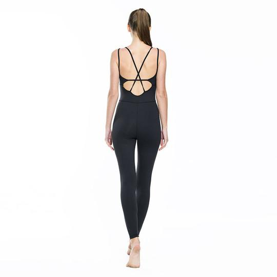 Body tight fitness bodysuit R750.00 - Sport Type: Yoga, Running, Gym, DanceFeature: Anti-Shrink,Anti-Wrinkle,Eco-Friendly,Quick Dry,Breathable,Anti-PillingMaterial: 13%spandex 87%nylonColor: White,Black