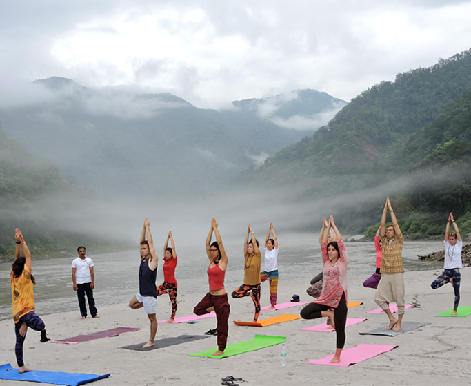 ashtanga-yoga-in-rishikesh.jpg