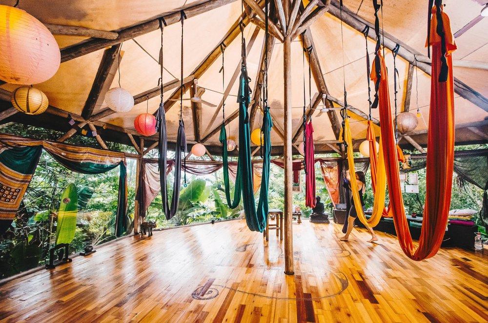 Yoga Hammocks - hOHM Yoga is the home of SA Yoga Hammock Supplies; dedicated to supplying South African Yogi's with top quality Yoga Silks & Hammocks.